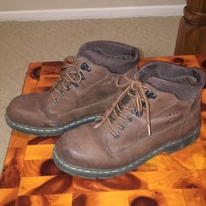 Bare Traps brown boots. Size 9.5M